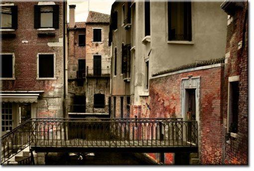 obrazy z budynkami