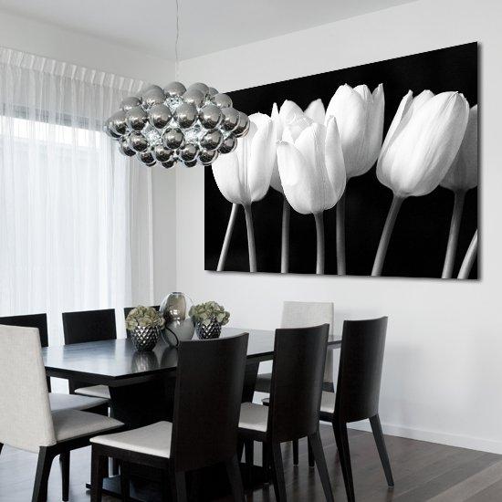 Obraz Z Białymi Tulipanami Na Czarnym Tle Do Salonu Lub Sypialni