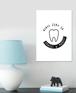 zęby na obrazie pionowym dla stomatologów