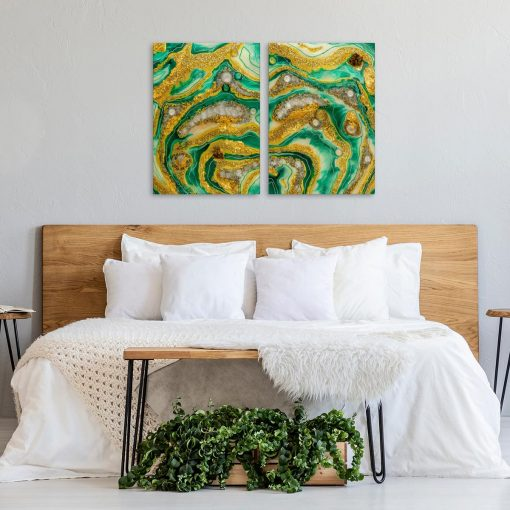 Obraz do sypialni zielona i złota abstrakcja geode art