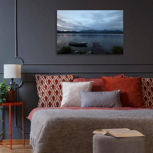 Obraz z jeziorem na tle gór do sypialni
