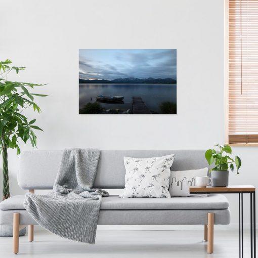 Obraz z jeziorem na tle gór do salonu