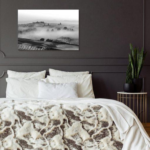 Nowoczesny obraz z górskim widokiem w szarym kolorze do dekoracji sypialni
