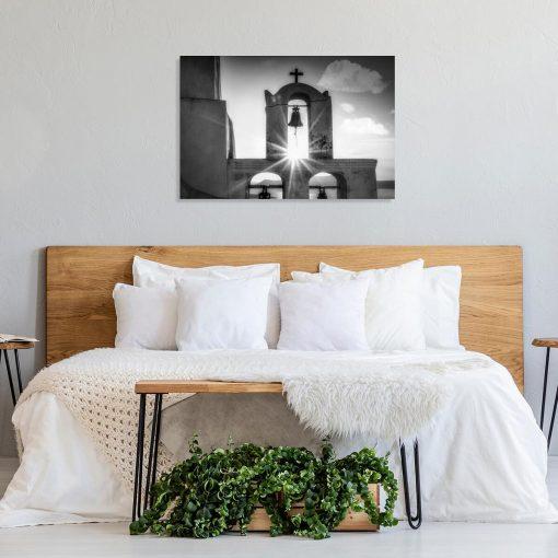 Szary obraz z kościółkiem na Santorini do jadalni