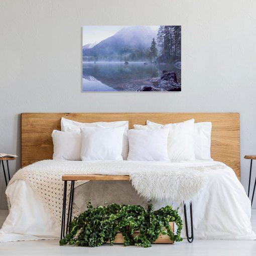 Obraz do sypialni z jeziorem w górach