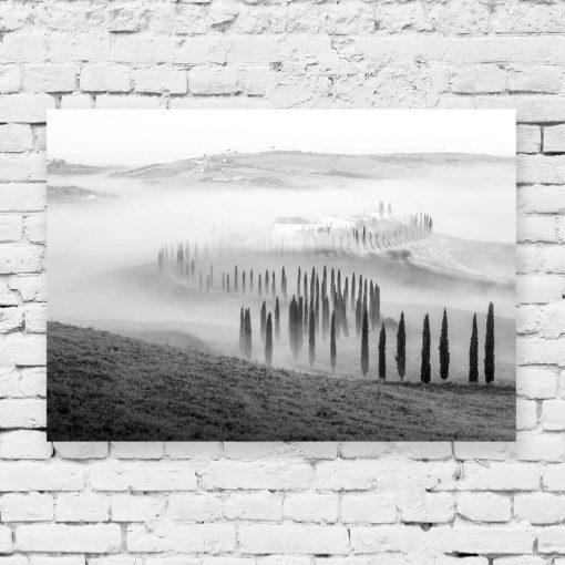 Czarno-biały obraz z krajobrazem górskim do dekoracji pokoju