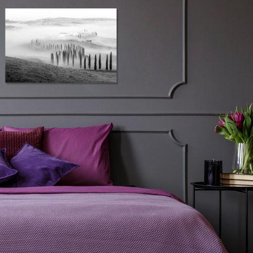 Czarno-biały obraz z krajobrazem górskim do sypialni