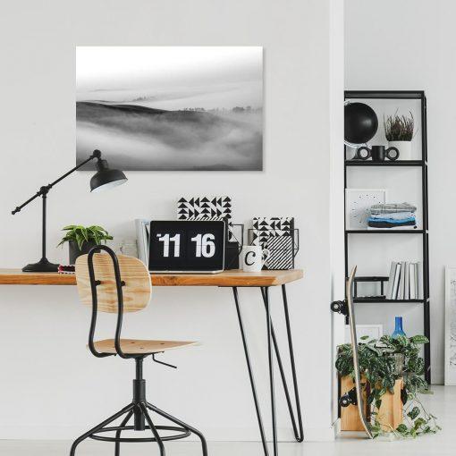 Obraz zamglony pejzaż do ozdoby salonu