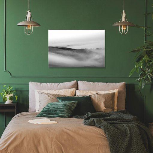 Obraz z szarym pejzażem do powieszenia w sypialni